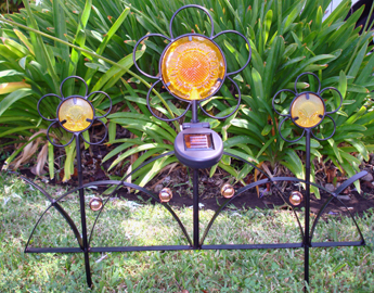 Solar Iron Flower Fence Light/automatically turns on when dark