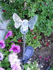 Solar Powered Bumble Bee Yard Stake Color Change Light